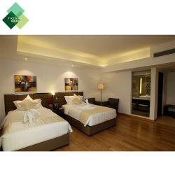 5 Reeksen van de Slaapkamer van het Bed van het Meubilair van het Hotel van het Ontwerp van de Luxe van sterren de Volledige Stevige Houten Moderne voor TweelingZaal