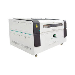 ファブリック布のラベルの切断のためのCCDのカメラが付いている1390台の自動車の位置CNCの二酸化炭素レーザーの打抜き機