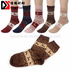 Chaussettes de cerfs de Noël de femmes Mens Cartoon chaussettes en laine tricotés occasionnels de conception des hommes de l'hiver chaud Shorts Chaussettes de cheville