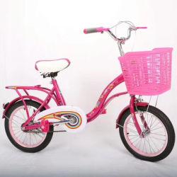 Giro del bambino sul grande giro dei giocattoli del bambino della bici dei capretti del triciclo dei bambini dei giocattoli dell'automobile sulle automobili per i bambini