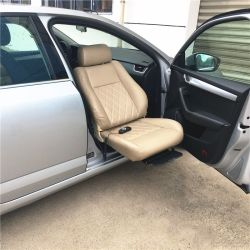 Voiture électrique de siège pivotant pour voiture Copilot position pour aider à obtenir des occupants en fauteuil roulant sur la voiture