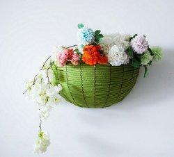 Пластиковый плетеной висел на стене дома сад Flowerpot бункера сеялки держатель висящих корзину цветов