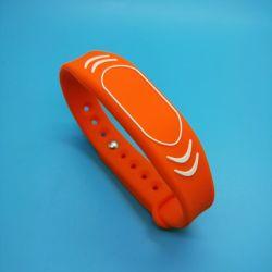 WS22 13.56MHz MIFARE NFC étanches les enfants de suivi plus EV1 2K /4K Silicone bracelet RFID 125 kHz Bracelet NFC