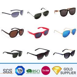 Il contrassegno privato dell'OEM di marchio su ordinazione promozionale all'ingrosso di disegno protegge gli occhiali da sole di lusso di sport del cuore del Rhinestone di Bluetooth il LED Steampunk con il sacchetto