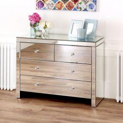 L'Europe le style des meubles en bois de haute qualité mis en miroir de la poitrine