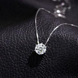 2021 مجوهرات الكورية 925 Sterling Silver كريستال Geometric عقد بندول زركونيا المكعب على شكل قلادة للنساء