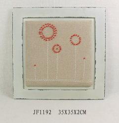 Vintage un mur en bois avec broderie de perles d'Art et Décoration
