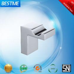 La porcelaine sanitaire Salle de bains Accessoires crochet en laiton BG-D21010