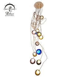 Het gouden Licht van de Tegenhanger van het Metaal met Kroonluchter van 6 de Opaalachtige Bollen van het Glas