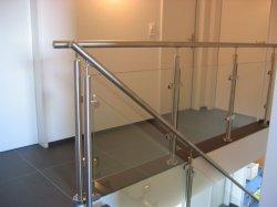 Balaustra di vetro/asta della ringhiera/corrimano/inferriata dell'acciaio inossidabile del metallo di OEM/ODM con il morsetto di vetro per il balcone/scale a spirale/scala dell'interno dalla fabbrica della Cina