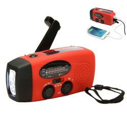 L'énergie solaire de la manivelle de la NOAA Weather Radio portable avec alimentation 1000 mAh Bank & lampe de poche