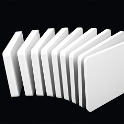China Factory Plastic PP PE HDPE PVC Foam Foamed Core Celuka-bord 4X8 16 mm 18 mm Correx-verdeler, maat Wit Zwarte kleur Cabinet deur reclame