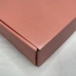 Voorraad Retail White rechthoek geschenkdoos Luxe papieren doos Rigid Verpakking met deksel 19.5*14.5*4 cm.