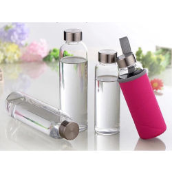 La maggior parte del facile ecologico dei prodotti popolari pulire la bottiglia di acqua di vetro di Borosilicate per acqua potabile con il manicotto 500ml chiaramente per l'hotel domestico 80%Use della barra del ristorante