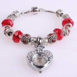 Bracelet cordon Women Watch Rhinestone forme de coeur cas, Analog Mesdames montres à quartz ESG13594