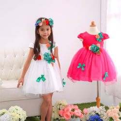 A tampa do bocal de aspiração redonda Flower Girl vestir, branco e duas crianças de cor de ameixa belo vestido Moderl (550A)