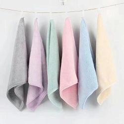 China maakte de Duurzame die Handdoek van het Gezicht van de Hand van het Bad van de Luxe voor Giften, de Zuivere Cottom Afgedrukte Handdoeken van 100% met het Embleem van het Borduurwerk en de Etiketten van de Was, OEM de Handdoek van de Zakdoek wordt geplaatst