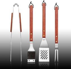 Insieme di strumento del BBQ dell'acciaio inossidabile con le maniglie dure solide di legno, un insieme di 4
