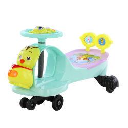 Giro all'ingrosso dei capretti della fabbrica sull'automobile del giocattolo di torsione