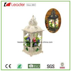 Belle lanterne décoratifs en métal avec éclairage LED pour la décoration intérieure et extérieure