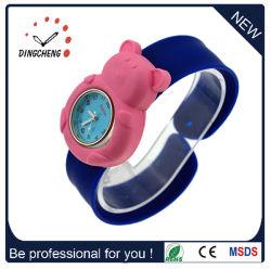 中国の製造業者は Slap バンド多彩でかわいい子供シリコーンの腕時計の子供の Slap の腕時計をする