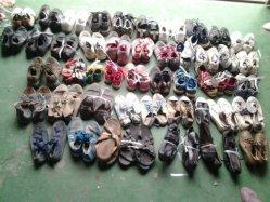 Grado de calidad Premium AAA de segunda mano damas zapatos para el mercado de África