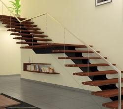 現代家の別荘のための内部のモノラル縦桁の純木階段