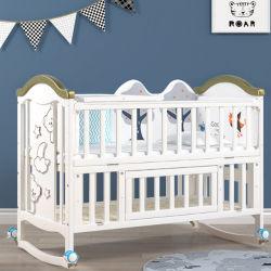 De stevige Voederbakken van het Bed/van de Baby van de Wieg van de Baby van de Voederbak van het Bed van de Peuter van de Baby van het Hout van de Pijnboom Convertibele met Wielen