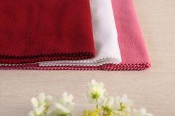 Uno ha parteggiato tessuto polare del panno morbido per la maglietta felpata