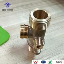 Montaje del tubo de latón de forma de agua de salida para conexión del calentador