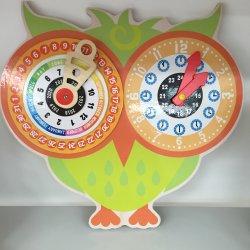 De houten Klok van de Kalender van het Speelgoed voor Onderwijs Heet Speelgoed