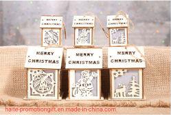 Weihnachtsdekoration-Weihnachtsbaum-Dekoration des leuchtenden hölzernen Hauses