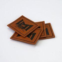 Fantastische Qualitätskundenspezifisches Firmenzeichen prägte Mikrofaser-Leder-Kennsatz-Änderung am Objektprogramm