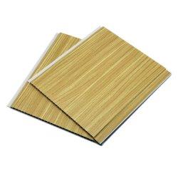 木パターンDesignplafond PVCフィルムは浴室のホールによって切り分けられた木製の天井板を飾った