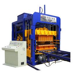 Blok die van de Apparatuur van de bouw het Automatische Concrete tot Machine Qt10-15 maken Hydraulisch Cement de Holle het Bedekken Blokken van de Baksteen