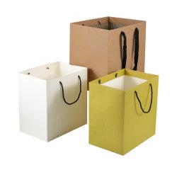 卸売はハンドルが付いている贅沢な紙袋をカスタム設計する