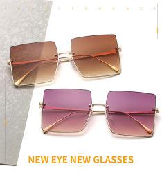 Tonalità metallica quadrata surdimensionata RS2157-7 di Sunnies dei 2020 occhiali da sole del progettista nessun MOQ