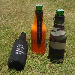 De neopreen Geïsoleerdeo Koeler van Koozie van het Kostuum van de Kokers van de Fles van de Drank van de Drank van het Bier (BC0085)