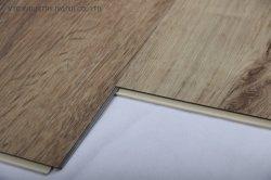 Vinly商業WPC屋内Unilinクリックの防水床タイル