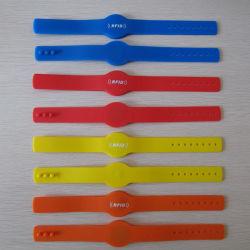 Bracelets en PVC élastique Une Utilisation De Temps TK4100 puce bracelet RFID 125 kHz