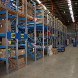 رف تخزين أرضي عفي للخدمة المتوسطة/سانين لتخزين البضائع الفولاذية رف/رف الأرضية