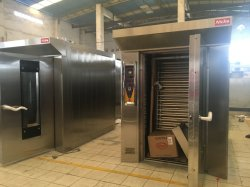 El equipo de la panadería de pan para montaje en bastidor giratorio de acero inoxidable horno de gas