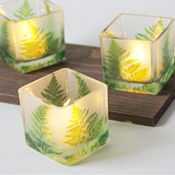 ホーム装飾によってカスタマイズされるロゴの香料入りの大豆の正方形の蝋燭ホールダー