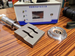 Ultraschallgenerator 20K/15K und Pcbs Frequenz, Energie, Timer, der 300W-3000W auf Ultraschallschweißens-Teil einstellt