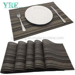 사각에 의하여 길쌈되는 비 얼룩 빨 수 있는 테이블 피복 까만 크림 테이블 매트 식사