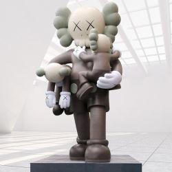 Personalizado Popular Grande Kaws Estatua Fibreglass Kews Resin sostener bebé Escultura para el Hotel Mall Jardín de diversiones decoración del Parque
