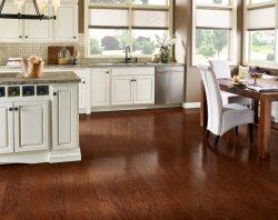 Hölzerner Fußboden u. mehrschichtiger ausgeführter Bodenbelag (ausgeführter Bodenbelag)