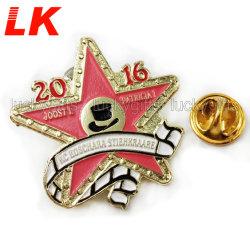 Prix de gros cadeau de Noël Emoji peinture Triangle militaire insigne métallique pour la vente