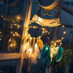 LED-glühende Traumfangfederblech-Form-Schmucksache-Wand-Dekoration