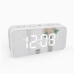 Sveglia di Digitahi, orologi elettronici del grande specchio radiofonico della visualizzazione LED di FM con luminosità registrabile 3 adatta a camera da letto